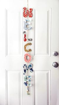 Door Decoration Diy- How To Make A Welcome Sign From Fabric