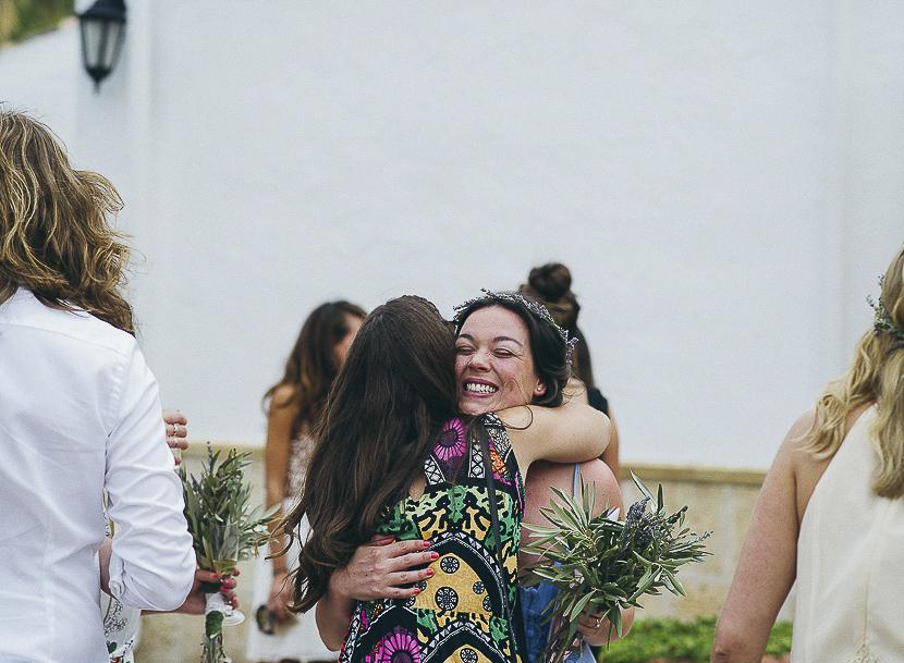 36 abrazo de amigas