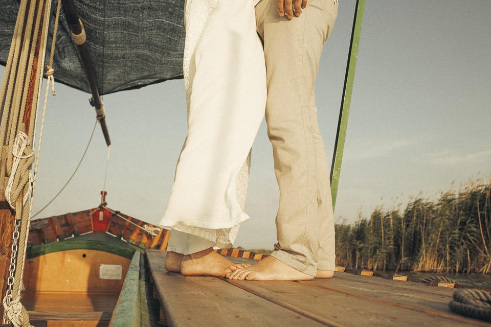 13 detalle de pies de pareja