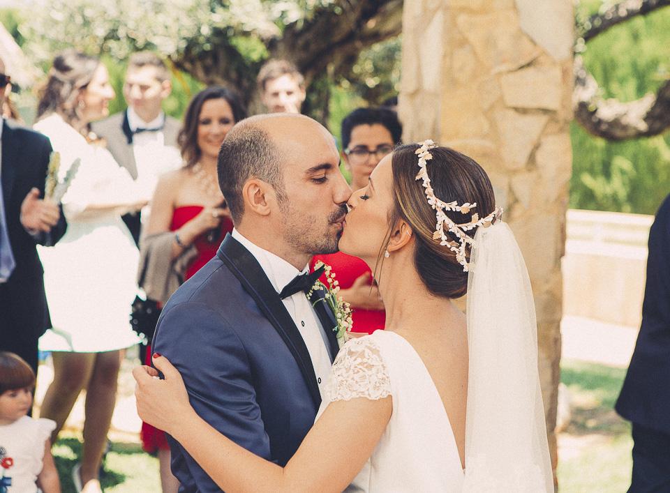 58 beso entre pareja