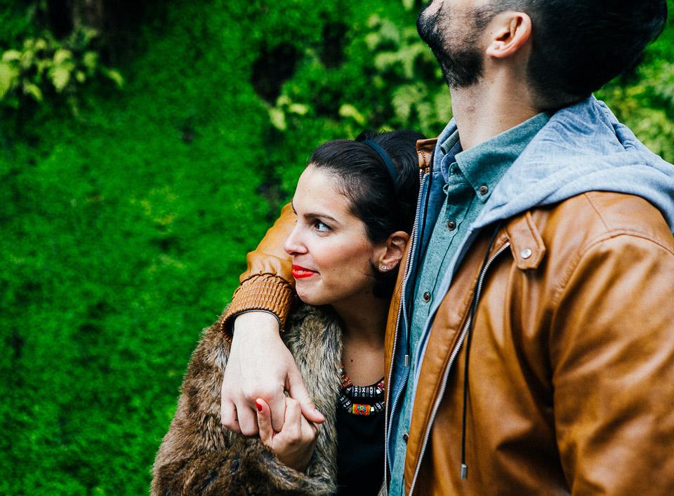 11-pareja-enamorada-en-paris