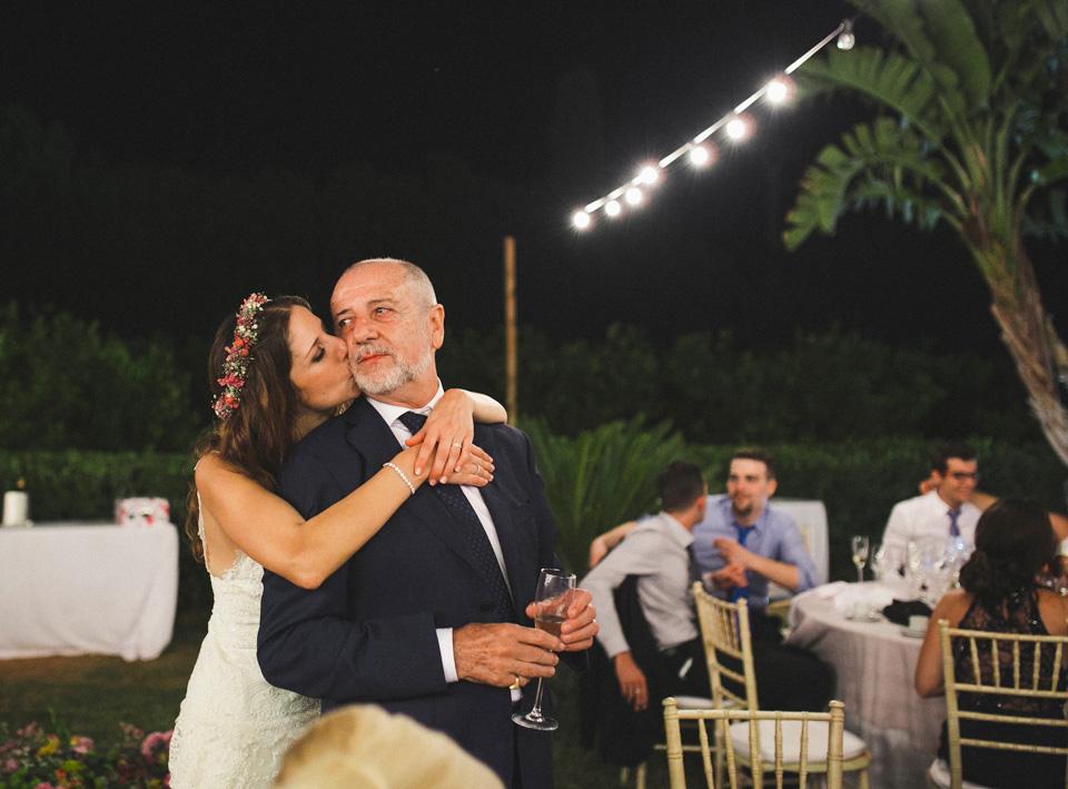 66-beso-padre-hija-novia-fandi