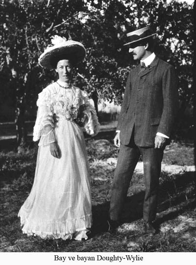 Doughty-Wylie with his wife, source: Geliboluyuanlamak.com