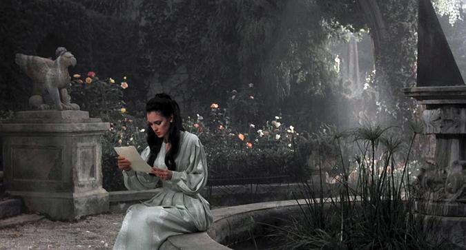 Winona Ryder como Mina en Drácula.