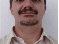 Presentar a Arturo Bernabé