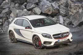 Mercedes-Benz-GLA-45-AMG-11-Edition-1-Zirrusweis