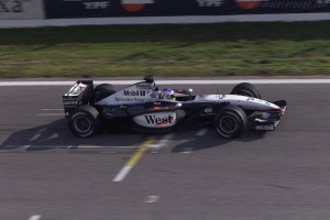 mclaren_mercedes-benz_mp4-17_15