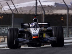 mclaren_mercedes-benz_mp4-17_8