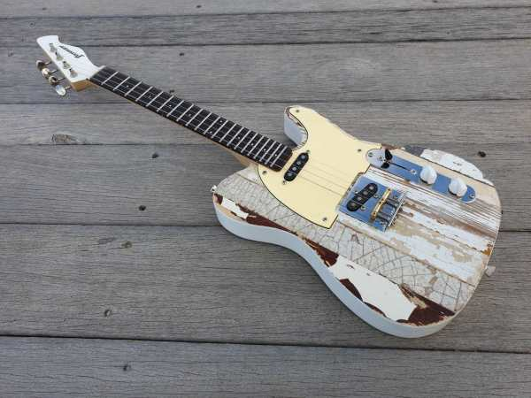 Pixelator tenor electric ukulele