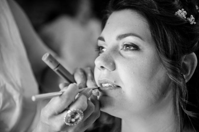 Maquillage en institut de beauté à riom, préparatifs du mariage.