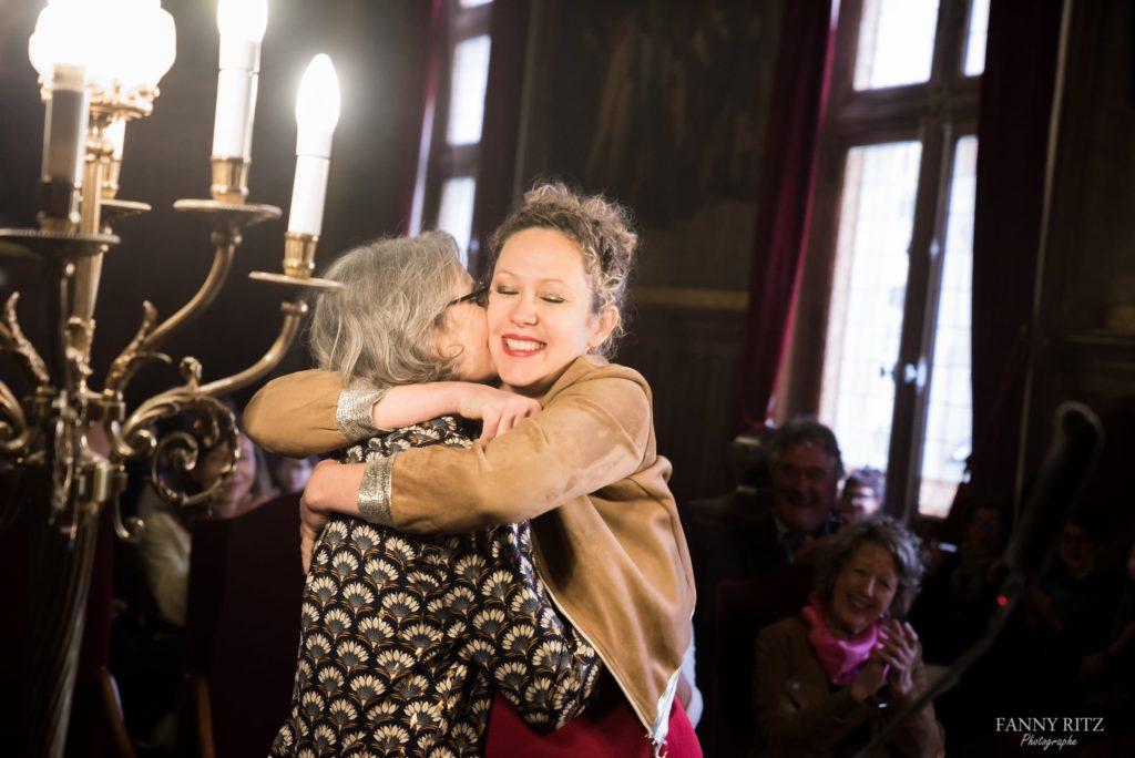 photographe mariage paris et ile de france. Photo fine art d'un magnifique mariage à Paris entre deux belles femmes