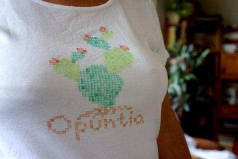 Motif cactus sur t-shirt