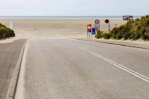 Auffahrt zum Strand