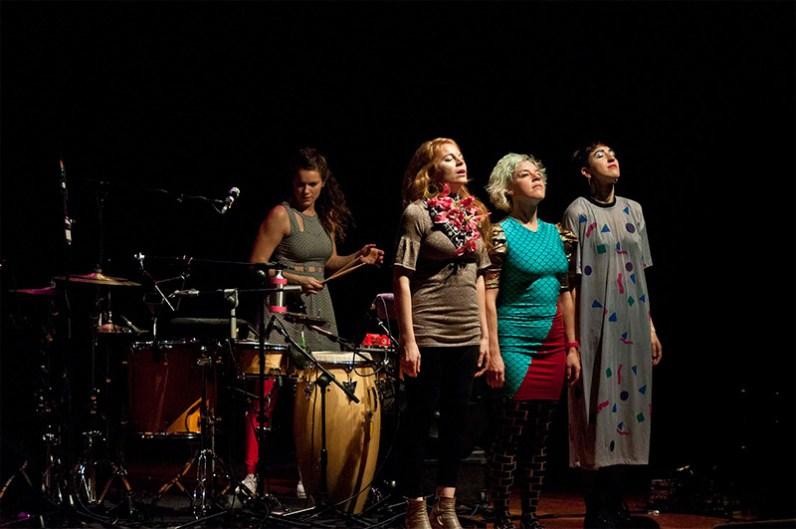 tUnE-yArDs @ Voces Femeninas 2014