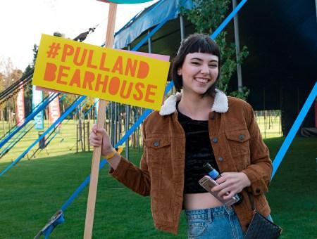 #PullAndBearHouse