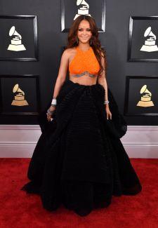 Rihanna @ Grammy 2017