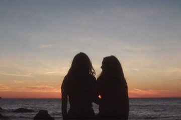 """It's Not Just Me"" de Let's Eat Grandma"