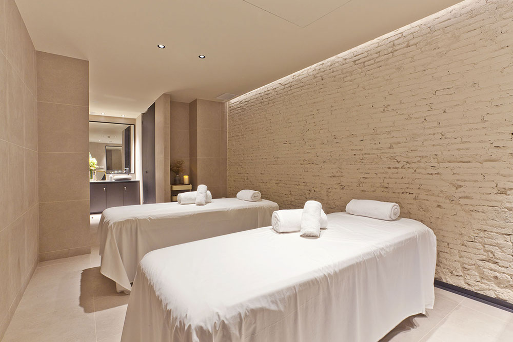 Signature Spa @ Yurbban Hotel