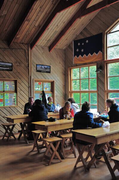 El Chileno Refugio  Camping  Circuito W  Fantstico Sur