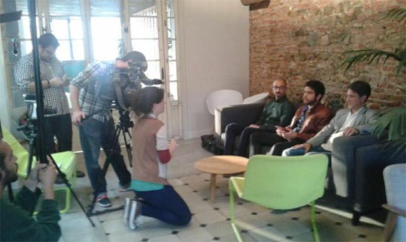 """Entrevista: """"Los Incoveneintes de No ser Dios"""" junto a Tele Aragón"""