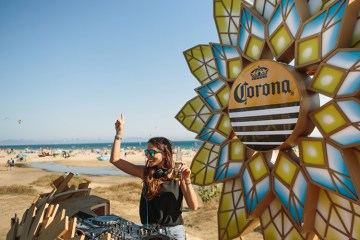 Corona Sunsets Sessions