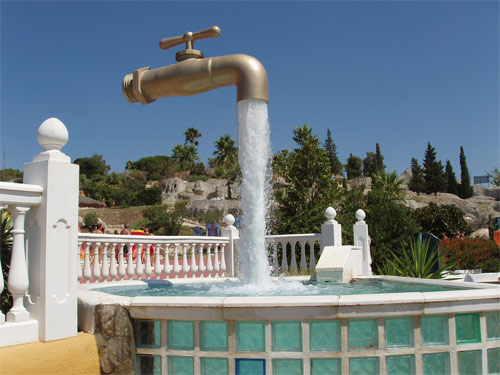 magic tap fountain spain 13 Beautiful Fountains Around The World