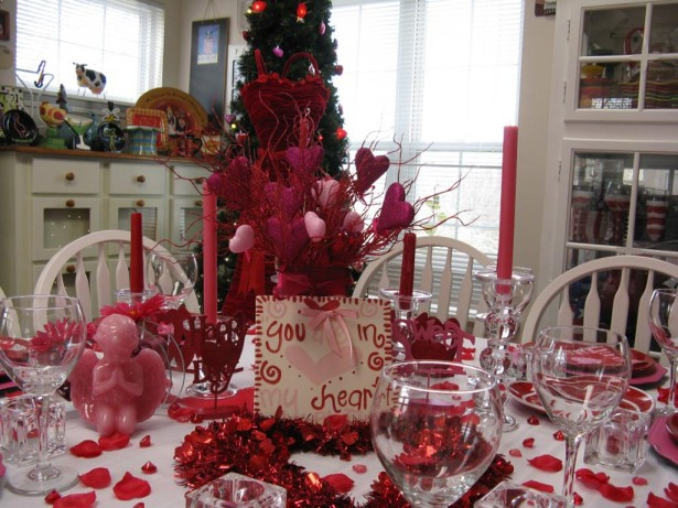15 Romantic Valentines Day Table Decorations