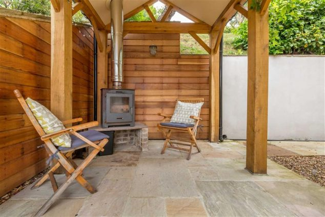 805b747d35efef766c30f0d568137229adf61a46 634x423 13 Practical Open And Closed Garden Rooms That Are Pretty For Looking In