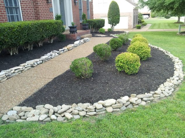 12 Attractive Garden Edging Ideas With River Stones That Provide