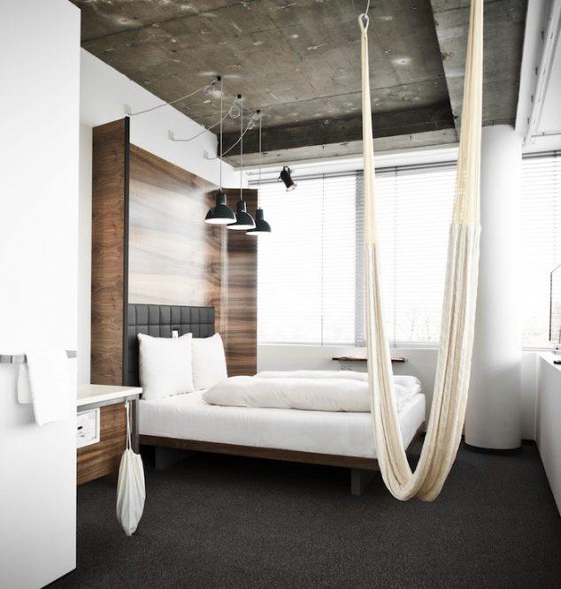 Hamaca en la habitación en el Hotel Daniel en Viena 634x666 15 hamaca cubierta y columpios relajante para olvidarse de las cosas malas