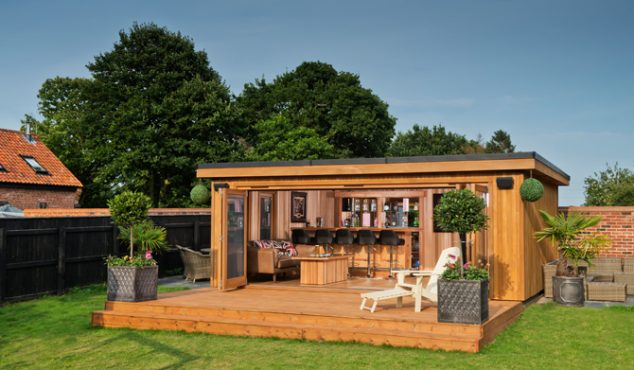 garden cinema 3 thumb 634x370 13 Practical Open And Closed Garden Rooms That Are Pretty For Looking In
