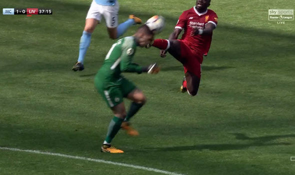 Sadio-Mane-red-card-tackle-851996