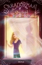 Saranormaal 1: Omringd door geesten Boek omslag
