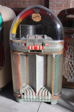 1948 Wurlitzer Jukebox 1100