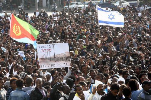 قدر عدد اللاجئين الارتريين الذين دخلوا الى اسرائيل بـ (40.000) لاجئ ارتري من أصل (60,000 لاجئ افريقي)