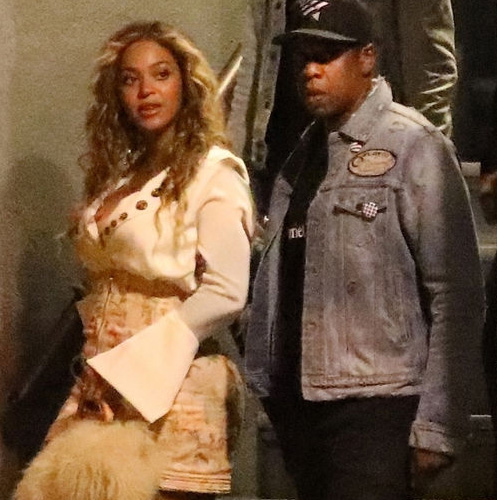 Beyonce patinando