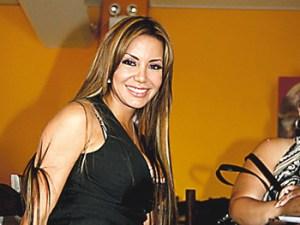 Karla Casós, Annabel Torres