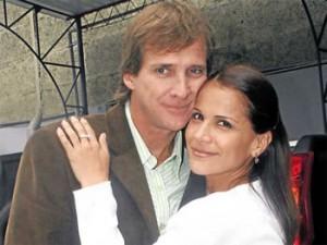 Charito (Mónica Sánchez) , Raúl (Christian Thorsen)