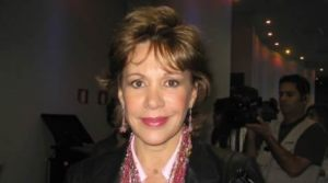 Yvonne Frayssinet , Francesca Maldini , Al Fondo Hay Sitio