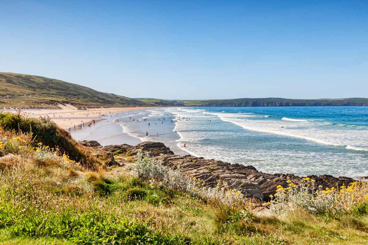 woolacombe-beach-on-sunny-day-places-to-visit-in-devon