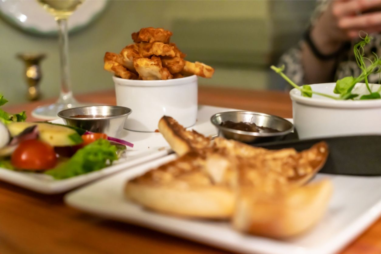 halloumi-bites-and-mushroom-pate-starter-at-king-arthur-hotel-and-pub-reynoldston-the-gower-wales