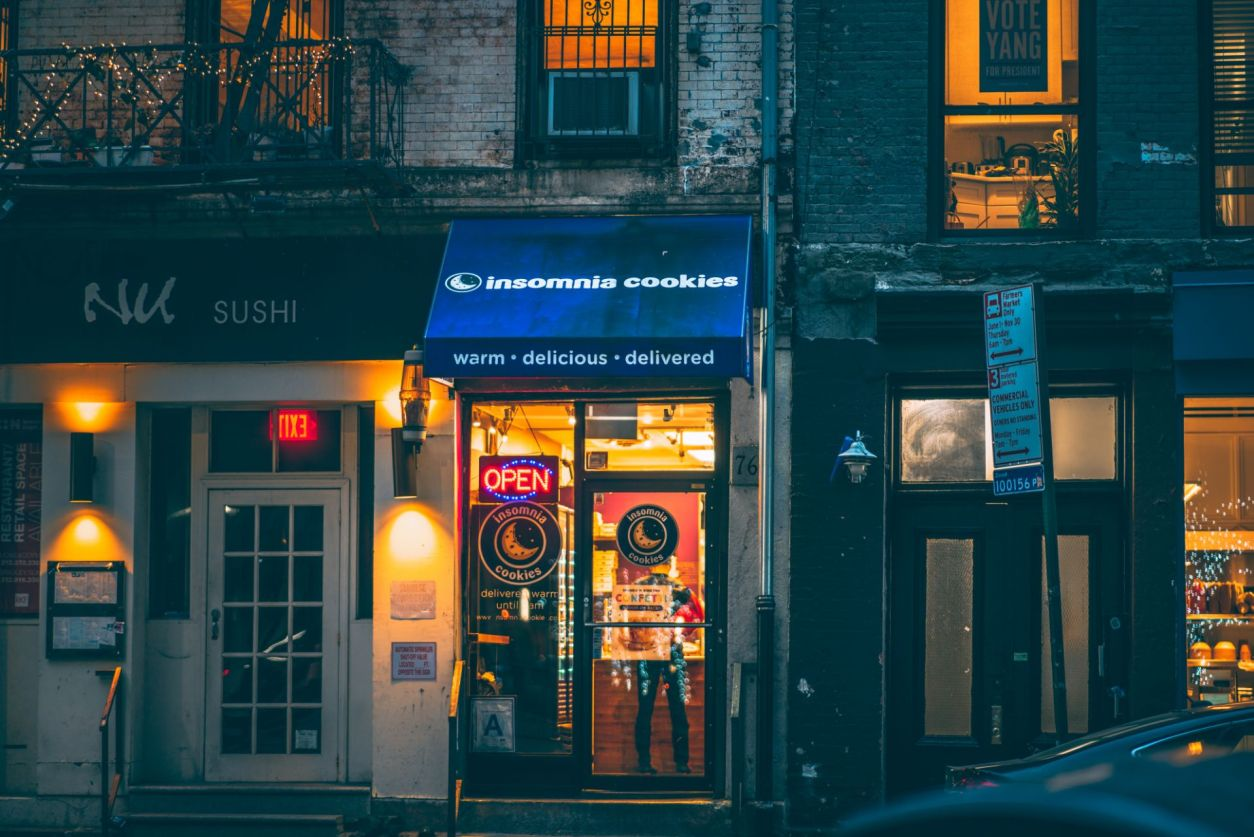 insomnia-cookies-in-downtown-manhattan-lit-up-at-night