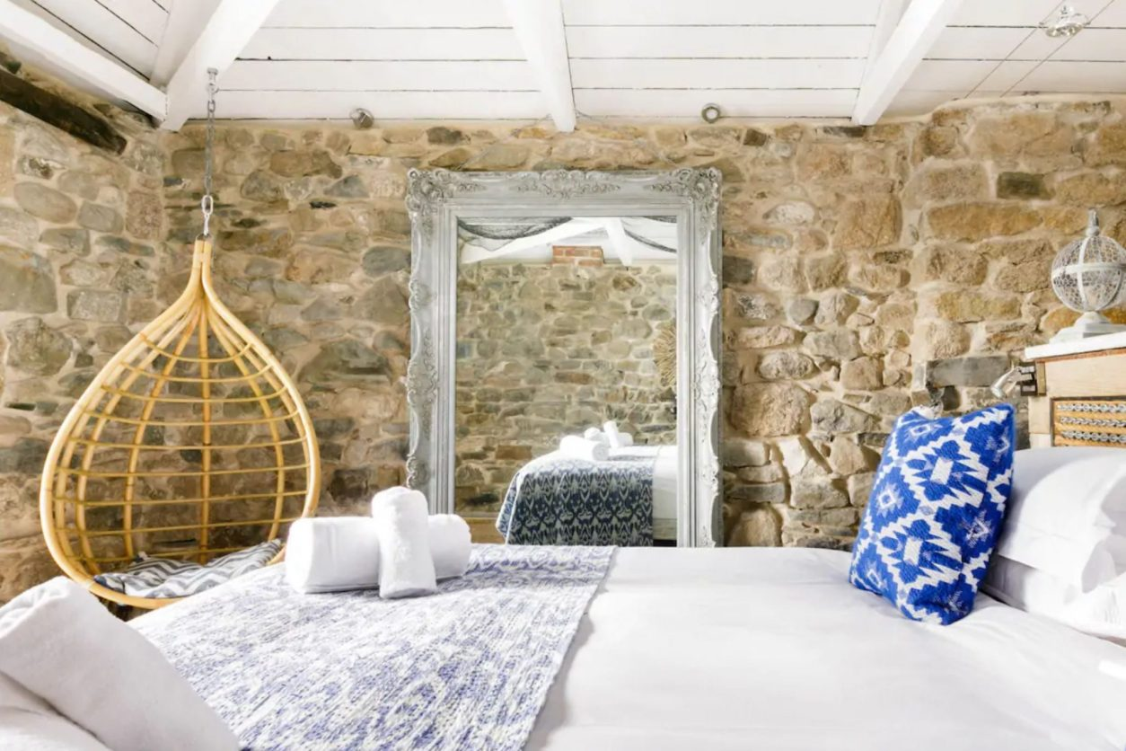 bedroom-in-renovated-fishermans-cottage-on-harbour-front-in-mousehole