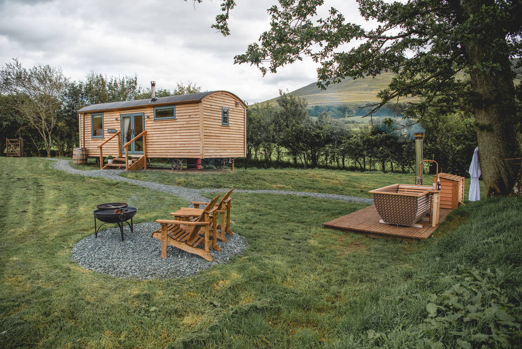 the-stag-shepherds-hut-in-field-with-outdoor-hot-tub-seats-and-fire-glamping-with-hot-tub-lake-district