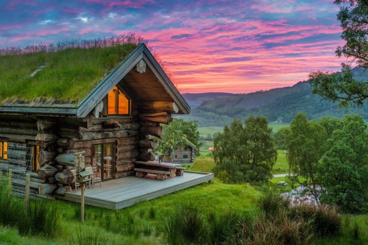 eagle-brae-log-cabin-on-hill-at-sunset-lodges-with-hot-tubs-scotland