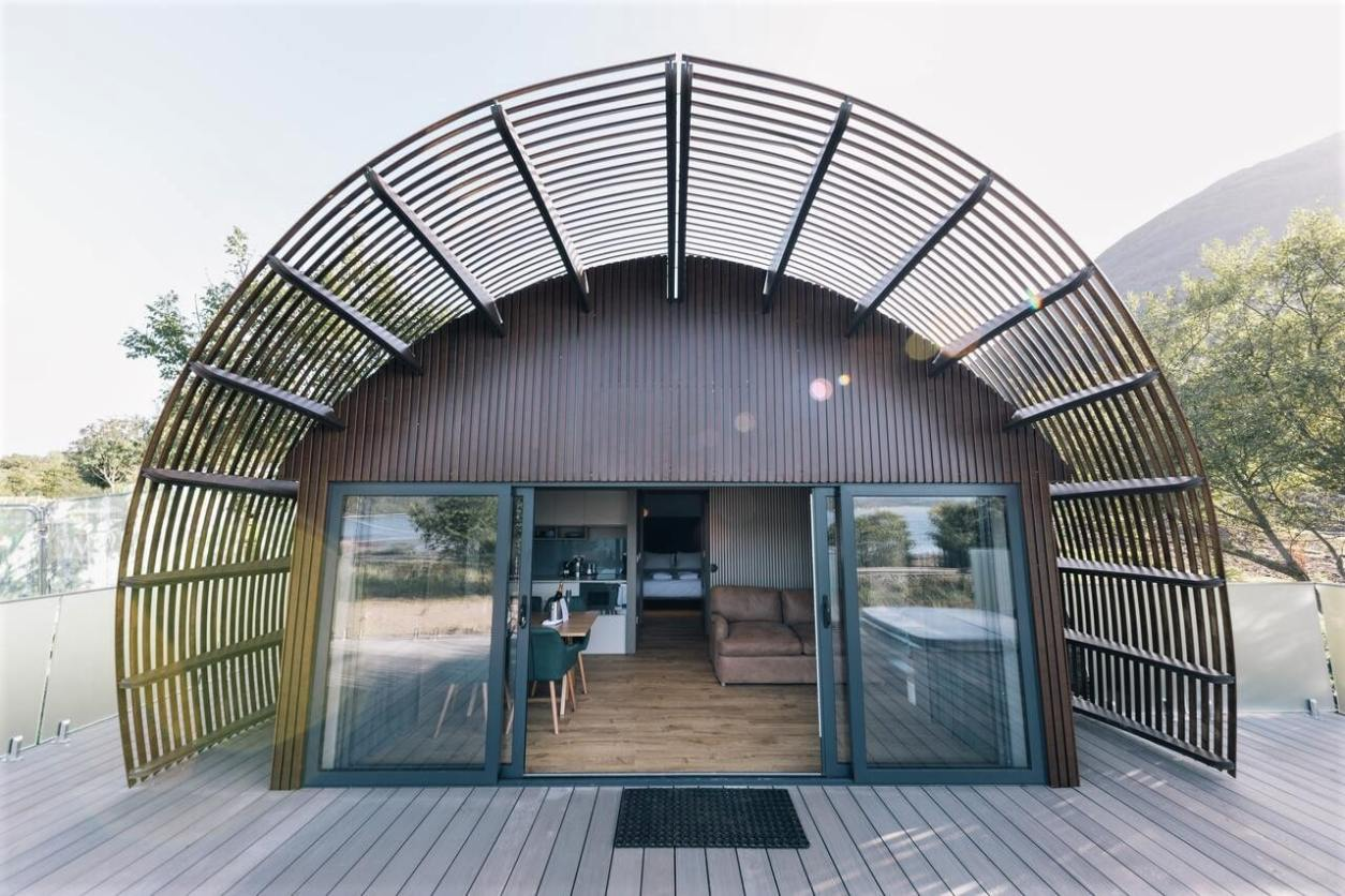 seabeds-lodge-on-decking-on-sunny-day