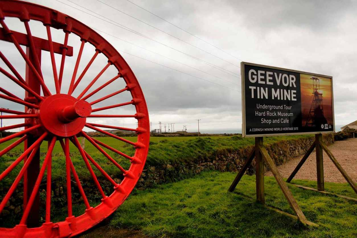 the-sign-to-geevor-tin-mine-from-outside-indoor-activities-cornwall