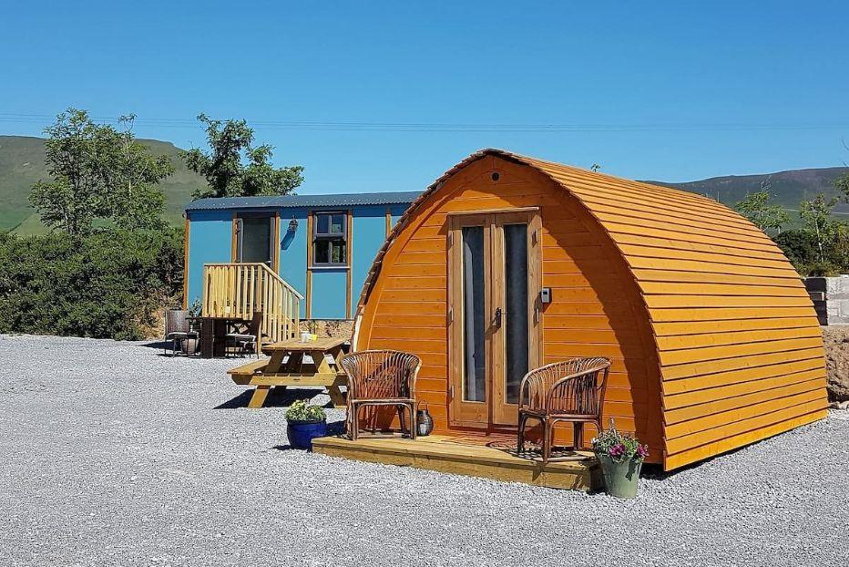 brown-dingle-way-glamping-pod-on-gravel