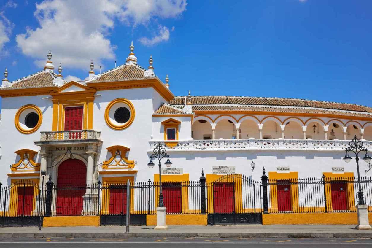 exterior-of-maestranza-de-caballería-de-sevilla-bull-fighting-arena-4-days-in-seville-itinerary