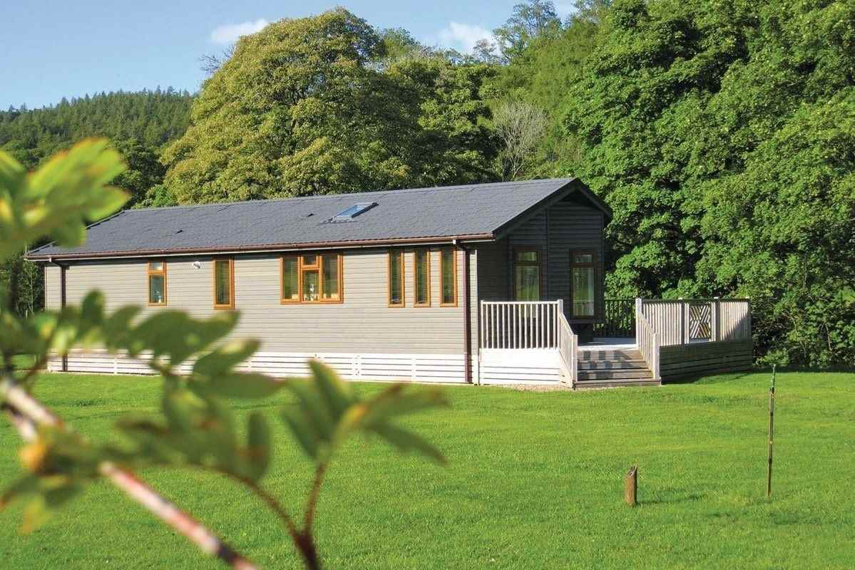 large-lodge-in-field-at-parmontley-hall-lodges